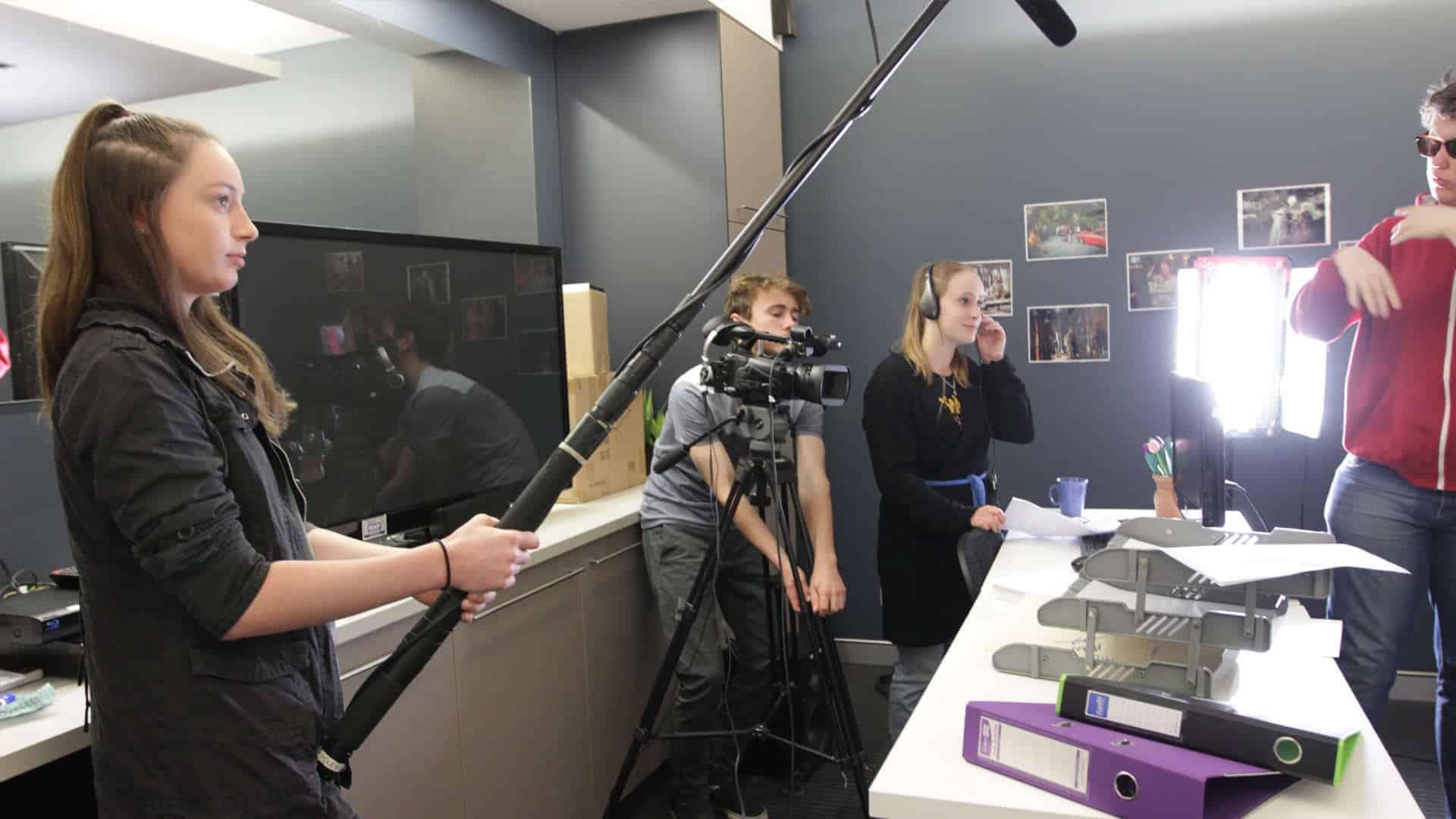 B2B Filmschool, Weidendamm 8 (nicht Seminarort), …